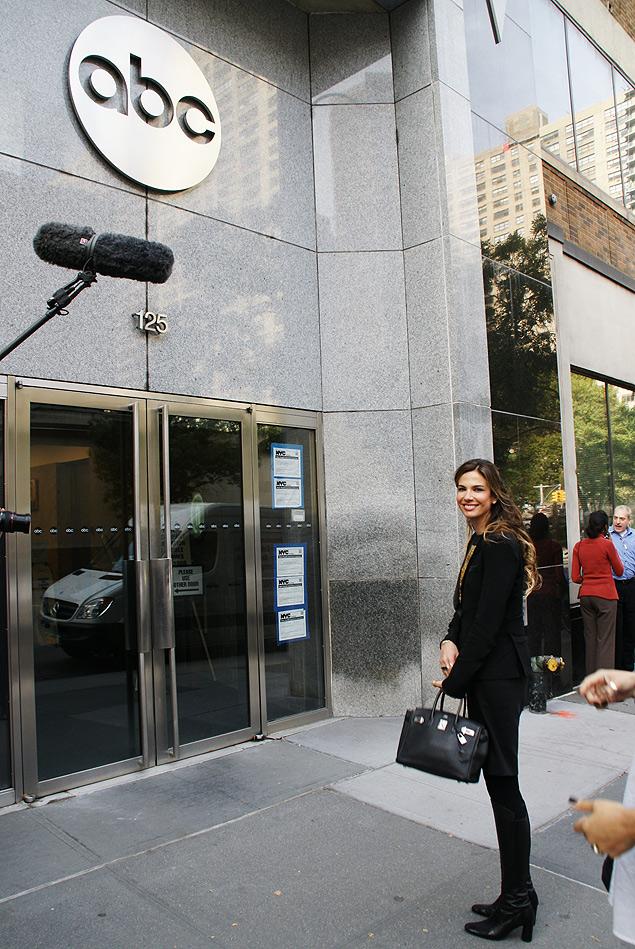 Gringa Luciana Gimenez grava em Nova York pilotos (testes) de seu programa para a rede americana ABC; se aprovada, a atração estreia no primeiro trimestre de 2014 (Divulgação)