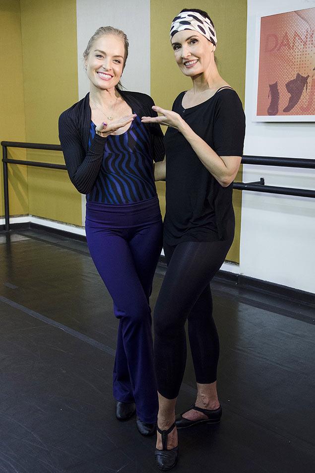 broadway No 'Estrelas' de sábado (26), Angélica e Fátima Bernardes fazem uma aula de jazz na qual revivem coreografias de musicais (Crédito: Ellen Soares/TV Globo)