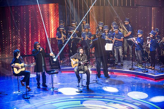 MPB: Milton Nascimento participa do 'Caldeirão do Huck' de sábado (30), cantando ao lado da Banda Vitalina Corrêa, com jovens de Codisburdo (MG) (Crédito: Divulgação)