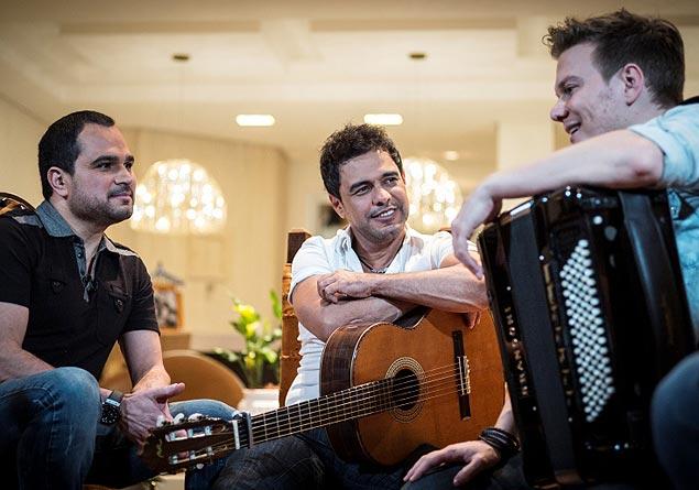 AMIGOS: Zezé Di Camargo e Luciano são os convidados de Michel Teló em  'Bem Sertanejo', que vai ao ar no domingo (12), no 'Fantástico' (crédito: divulgação)
