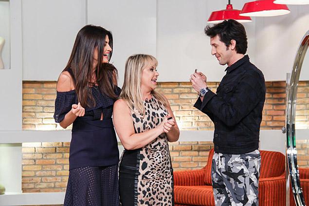 Espelho Flor, eterna jurada do Programa Silvio Santos, abre o guarda-roupa para Isabella Fiorentino e Arlindo Grund no Esquadrão da Moda' (SBT)