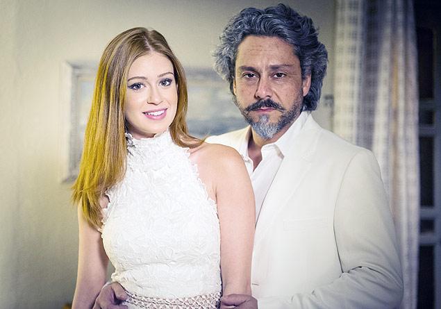 VIRADA: Zé Alfredo (Alexandre Nero), que só se veste de preto, usa branco em 'Império' (Globo) para passar o Réveillon com Ísis (Marina Ruy Barbosa)  (crédito: João Miguel Júnior/ TV Globo)