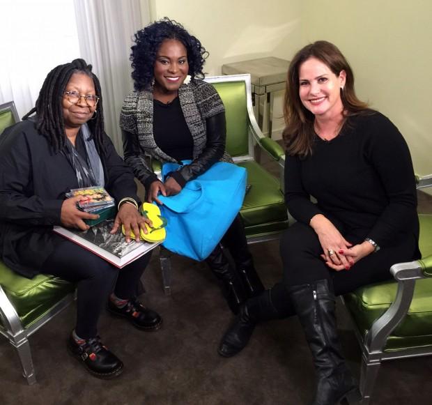 MUSICAL No próximo domingo (1º), Whoopi Goldberg (esq.) e Karin Hils serão entrevistadas por Renata Ceribelli para o 'Fantástico' (Globo) (Foto: Divulgação)