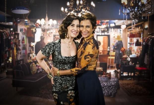 """Fernanda Torres e Andréa Beltrão em cena de """"Tapas & Beijos"""" (João Miguel Júnior/Globo)"""