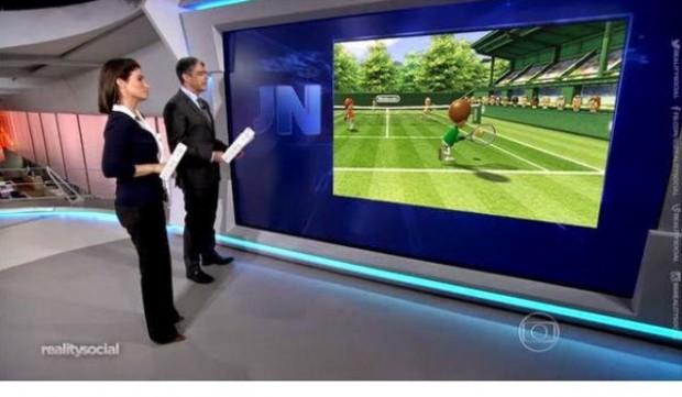 """VIROU VIRAL O novo cenário do """"JN"""" levou a uma chuva de brincadeiras na internet, como esta que simula uma partida no videogame Wii entre os apresentadores (Reprodução Twitter)"""