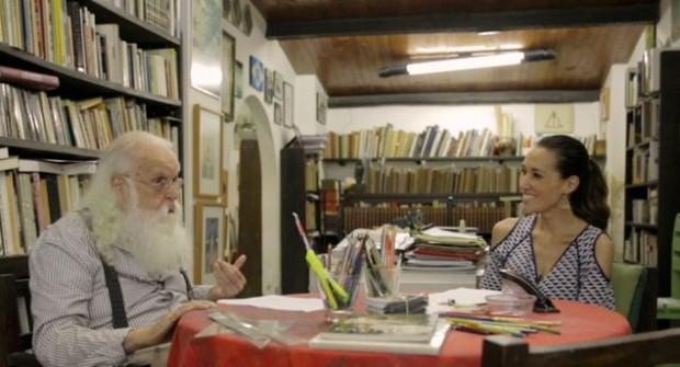 >> AMIGO ANTIGO O artista Francisco Brennand contou a Gisele Kato sobre Agostinho, cisne de estimação que tem há 30 anos, no programa 'Arte 1 Em Movimento' (Arte 1) que vai ao ar no domingo (31). (Divulgação)
