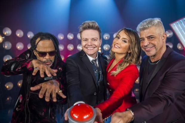 >> VIRA OU NÃO VIRA? Novo jurado do 'The Voice Brasil' (Globo), Michel Teló se reuniu pela primeira vez com os colegas Carlinhos Brown, Cláudia Leitte e Lulu Santos; a atração volta ao ar em outubro