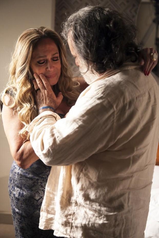 20 – A Regra do Jogo – Estúdio B – item 18 – cap 59 – cena 25 – Adisabeba ( Susana Vieira ) pede Zé Maria ( Tony Ramos ) em namoro. Fazer bastidores e retratos.