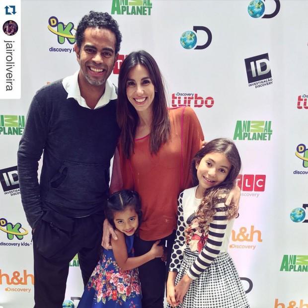 Jairzinho,  Tânia Khallil e suas filhas, Laura (ao centro) e Isabella (Reprodução Instagram)