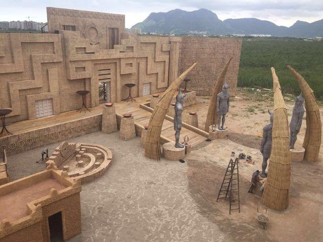 Josué a caminho A muralha de Jericó está sendo erguida na cidade cenográfica de 'A Terra Prometida', novela bíblica da Record que estreia em 28 de junho (Divulgação)