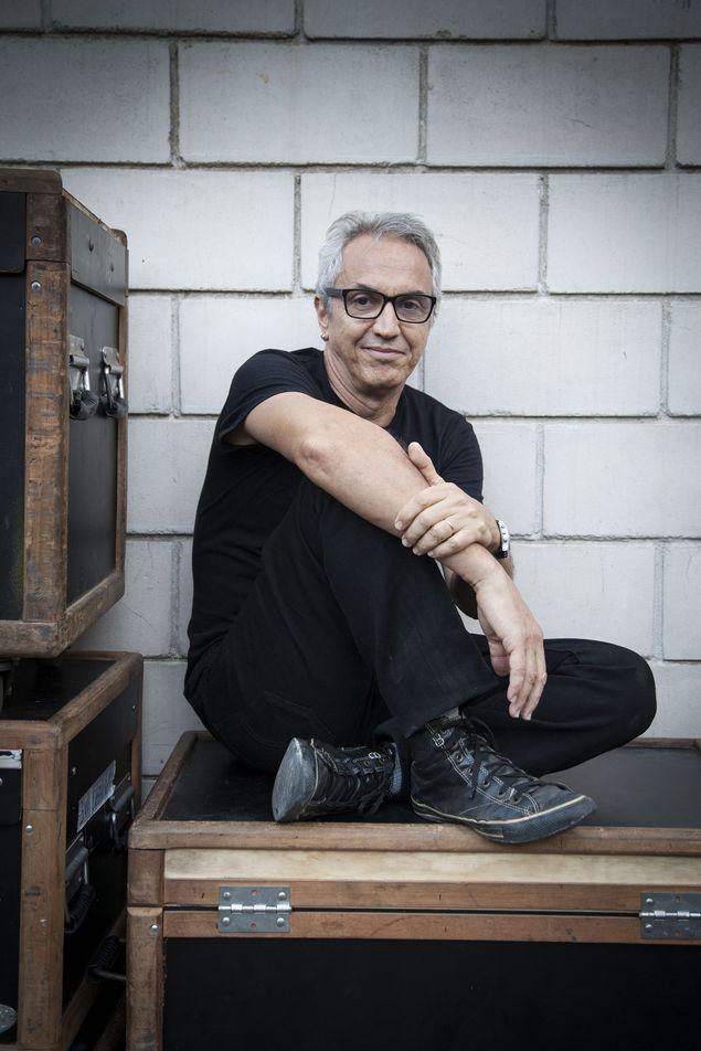 O roteirista e chargista Cláudio Paiva (Sergio Zalis/Divulgação)