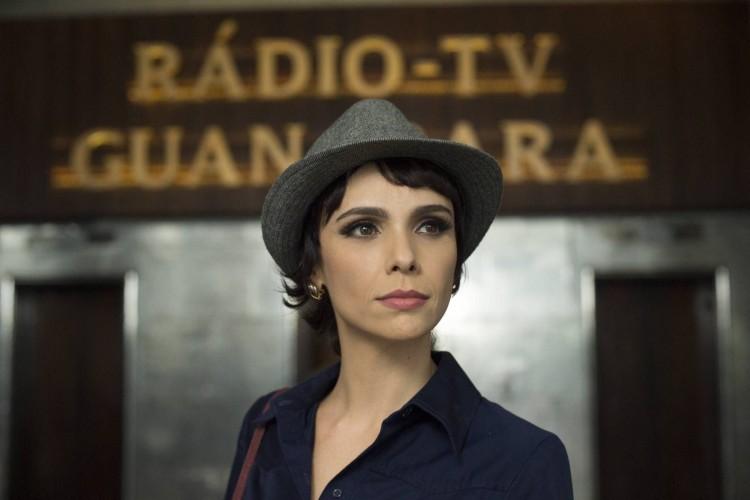 Débora Falabella vive Verônica na série 'Nada Será como Antes' (Estevam Avellar/Divulgação)