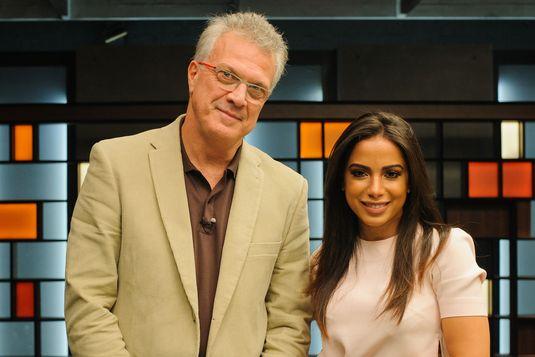 Bial recebe Anitta no talk show do GNT (Marcia Alves/Divulgação)