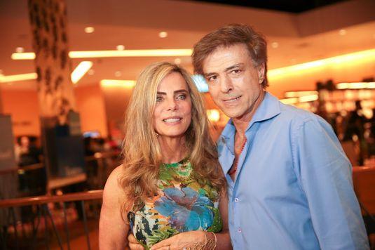 Bruna Lombardi e Carlos Alberto Riccelli (Zanone Fraissat/Folhapress)