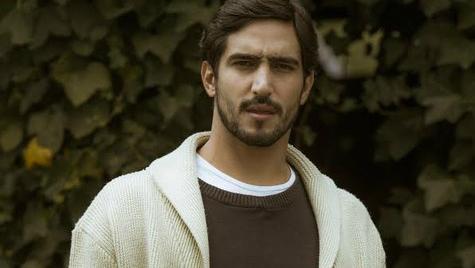 O ator Renato Goes em gravação de 'Os Dias Eram Assim' (Divulgação)
